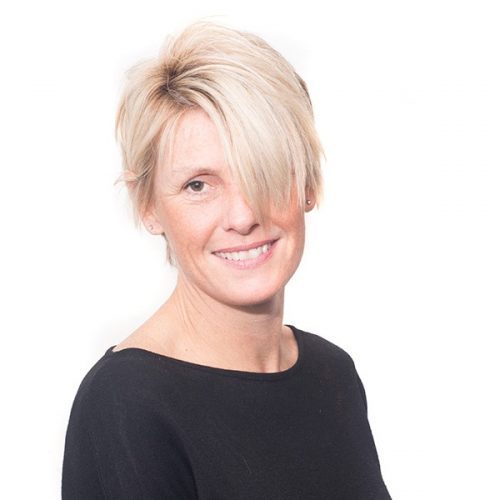 Deborah Earnshaw